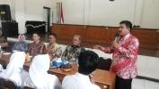 Pa Andang Segara Kepala SMAN 3 Kota Bandung Miharep ka Pa Ahér, salaku Gubernur Jawa Barat  Sangkan Lapang Bali Teu Lesot ti SMAN 3 Kota Bandung