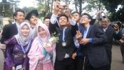Lulusan SMKN 5 Kota Bandung taun 2017, sa-Jabar Pangréana nu Katarima di UPI