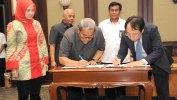 Pemprov Jabar-PT Jabar Bersih Lestari Tandatangani Kontrak Pembangunan TPPAS Luna