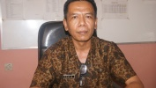 """Drs. Agustia, M.Pd, Kepala SMAN 1 Cilaku, """"Ngaliwatan PPDB taun 2017 ayeuna Miharep Pendidikan Di Propinsi Jabar Leuwih Maju."""""""