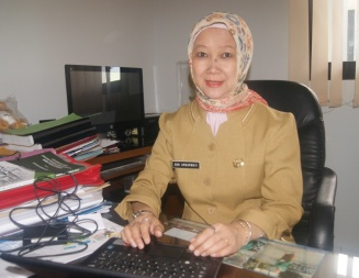 Dra. Rini Ambarwati, M.Ds., Kepala SMKN 5 Kota Bandung: Lebih Dari 500 Kepala Sekolah Hadir Dalam Pembukaan Kongres Nasional ke-3 Asosiasi Kepala Sekolah Seluruh Indonesia yang Dilaksanakan Senin Soré 25 September 2017, di Hotel Grand Asrilia Kota Bandung