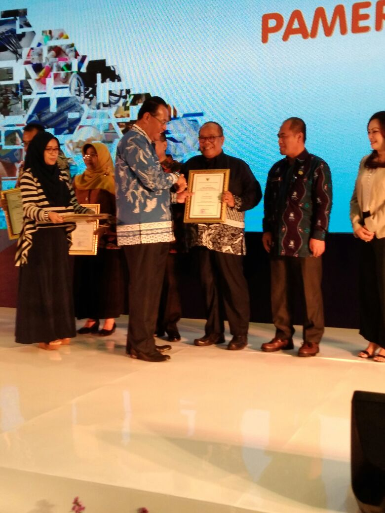 Kepala Dinas Kesehatan Provinsi Jawa Barat Dodo Suhendar-majalahsora.com