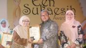 Asuh Anak Terlantar, Guru SMAN 4 Kota Bandung Raih Een Sukaesih Award 2017