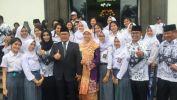 Paduan Suara SMAN 20 Kota Bandung Hangatkan HUT PGRI ke-72 di Gedung Sate