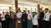 80 Siswa SMAN 14 Kota Bandung Menerima Uang PIP dari Wakil Walikota Bandung