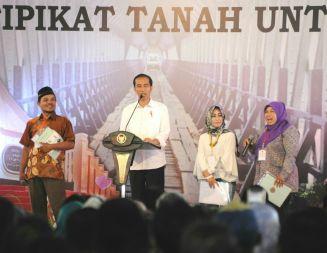 Aher Dampingi Jokowi Kunjungan di Jabar Sekaligus Membuka Piala Presiden