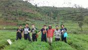 Bakti Desa SMAN 4 Kota Bandung Sumbang 6 MCK untuk Desa Tertinggal
