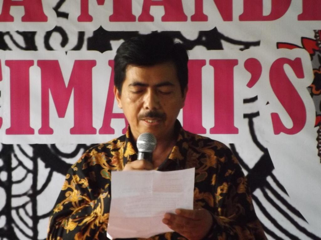 Kepala Sekolah SMA 6 Cimahi Drs. Maman , M.Pd