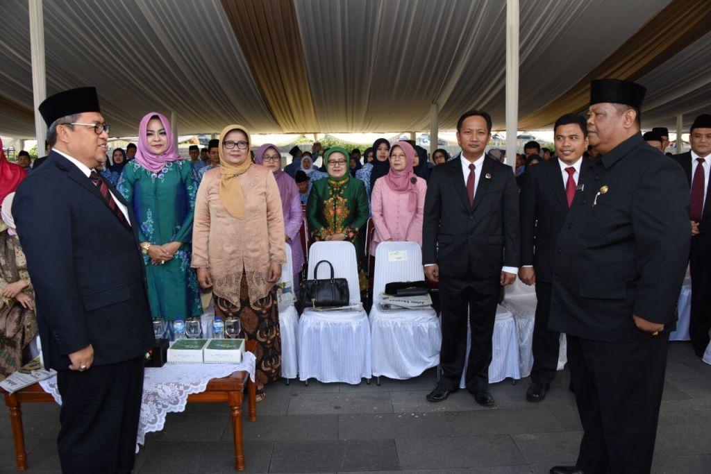 dede amar kepala kcd wilayah VIII perwira upacara hardiknas 2018