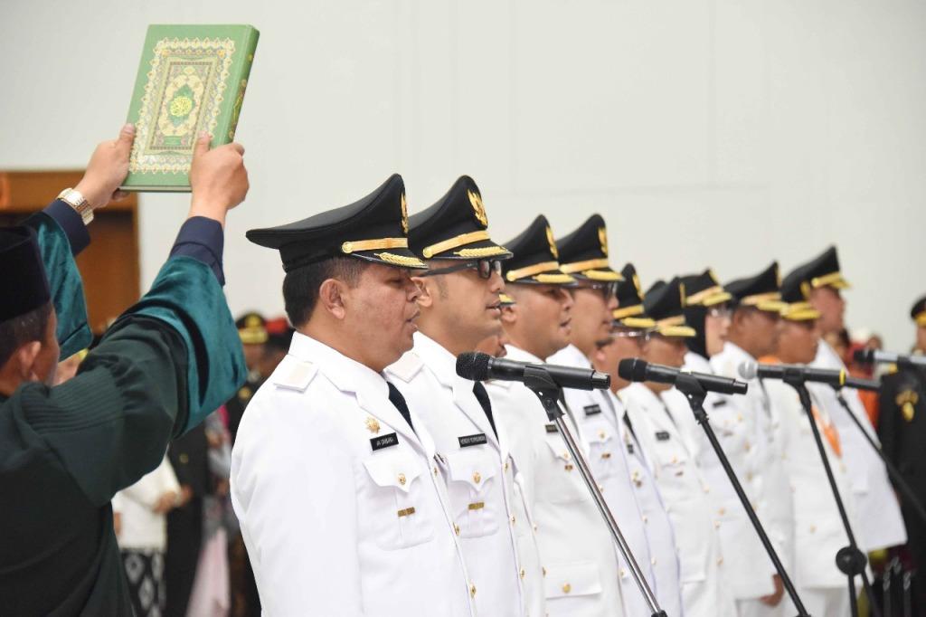 Pelantikan Enam Pasang Kepala Daerah Pilkada Jabar