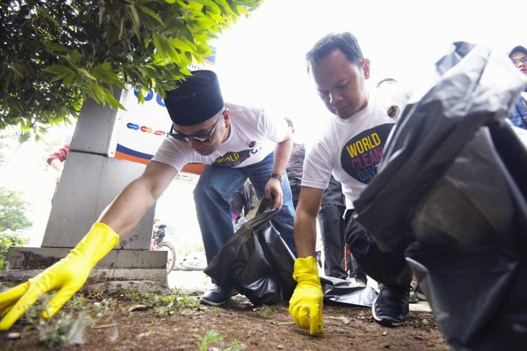 World Cleanup Day, Emil Punguti Sampah di Kota Bogor