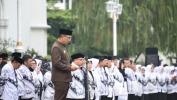 Di Hari Guru Emil Gubernur Jabar Janji Tingkatkan Kesejahteraan Guru Honorer
