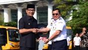 Gubernur Jabar Hibahkan 50 BRT dan 17 Bus Sekolah