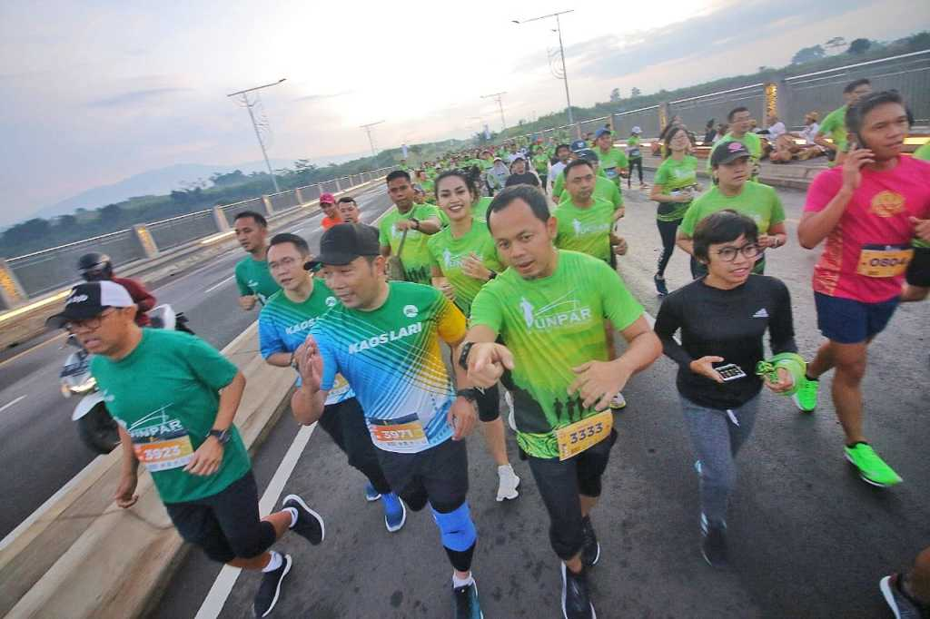 emil gubernur jabar lari marathon