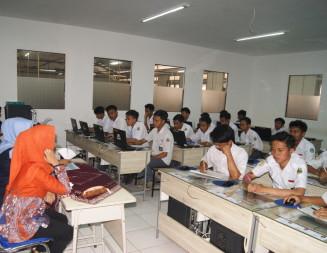Enam Siswa Terkait Kasus Hukum Mengikuti UN Di SMK PU Negeri Bandung