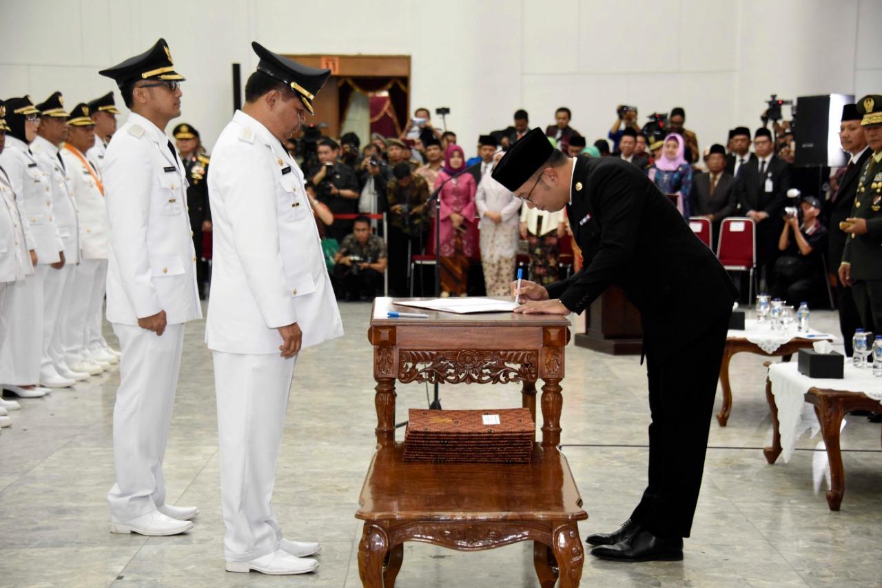 Pelantikan Bupati dan Wakil Bupati Bandung Barat - Majalah ...